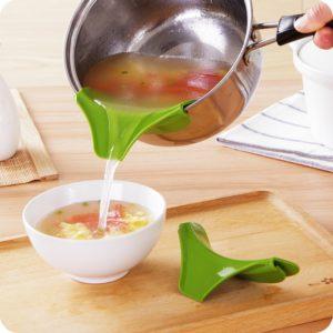Praktický nalévák na polévku