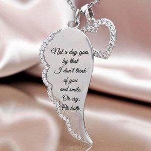 Náhrdelník pro ženy s polovinou srdce a nápisem