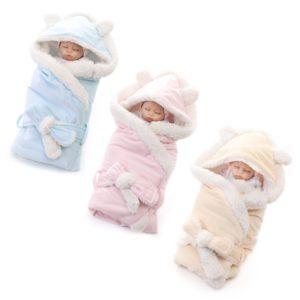 Teplá zavinovačka pro miminka s kožíškem