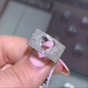 Krásný prstýnek se srdíčkem