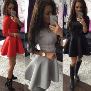 Mini šaty se širokou sukní a dlouhým rukávem