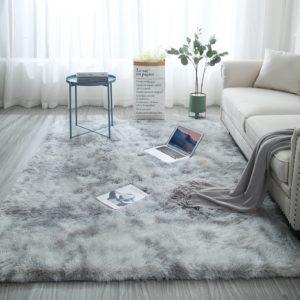 Nádherná měkkoučký koberec