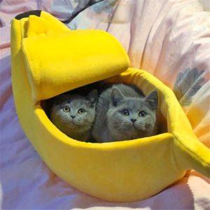 Pelíšek pro kočky ve tvaru banánu