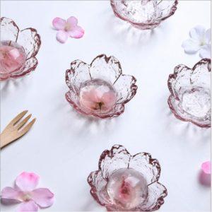 Skleněné květinové mističky