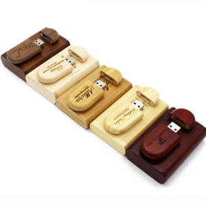 Dřevěný USB flash disk s vlastním logem + krásné balení - více variant