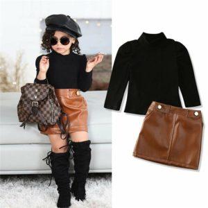 Dívčí módní černý top s koženkovou hnědou sukní