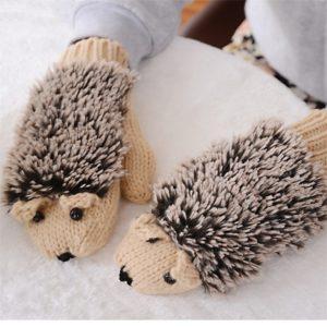 Girls Novelty Cartoon Winter Gloves For Women Knit Warm Fitness Gloves Hedgehog Heated Villus Wrist Mittens