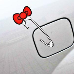 Dekorační roztomilé samolepky na auto - připínací špendlík s mašlí