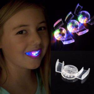 Svítící LED zuby na party