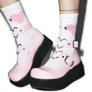 Dámské vysoké boty s páskem s srdcem