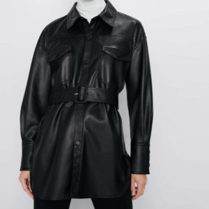 Dámská bunda z umělé kůže s páskem a náprsními kapsami