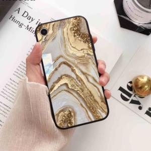 Luxusní mramorové kryty na iPhone