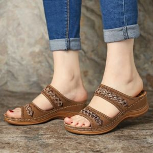 Dámské letní pantofle na vyšším podpatku Wendy