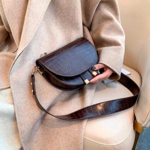 Elegantní crossbody kabelka