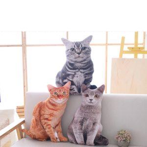 Roztomilá plyšová kočka