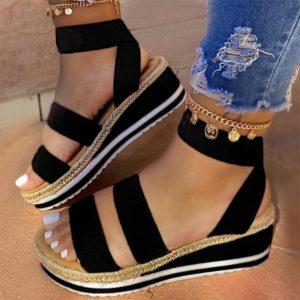 Dámské letní sandály na klínku