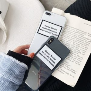 Kryt na IPhone s nápisem Social Media