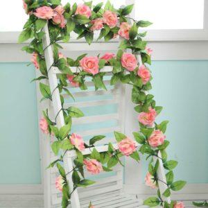 Umělé růže s listy pro domácí nebo svatební události